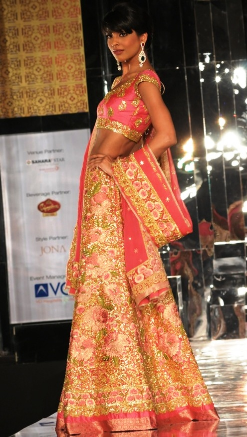 gold and pink pallavi jaikishen lehenga